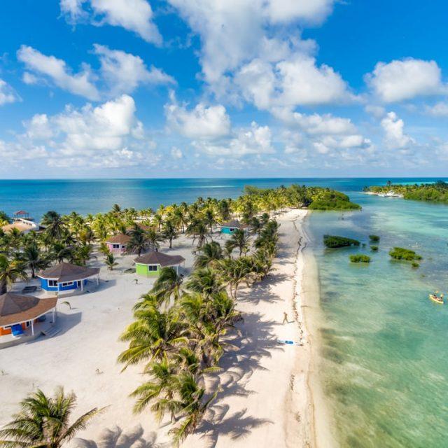 Manta Island Resort - Cabanas by the Caribbean
