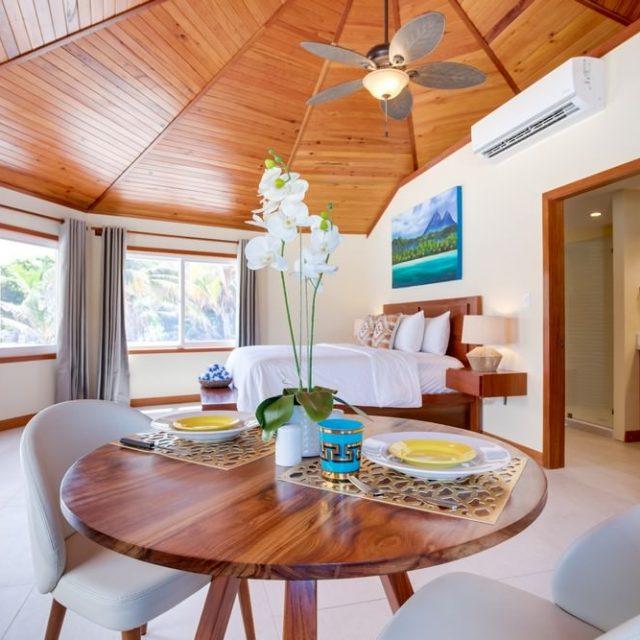 Manta Island Resort Cabana - Dining Table