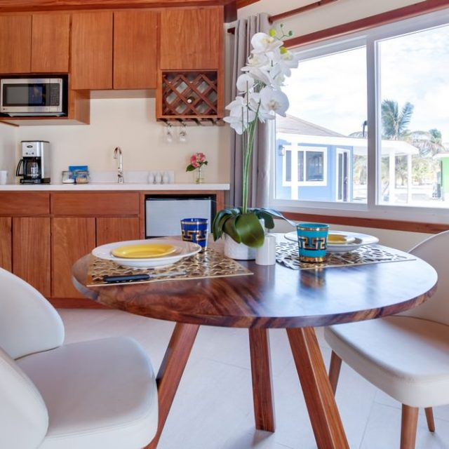 Manta Island Resort Cabana - Breakfast area