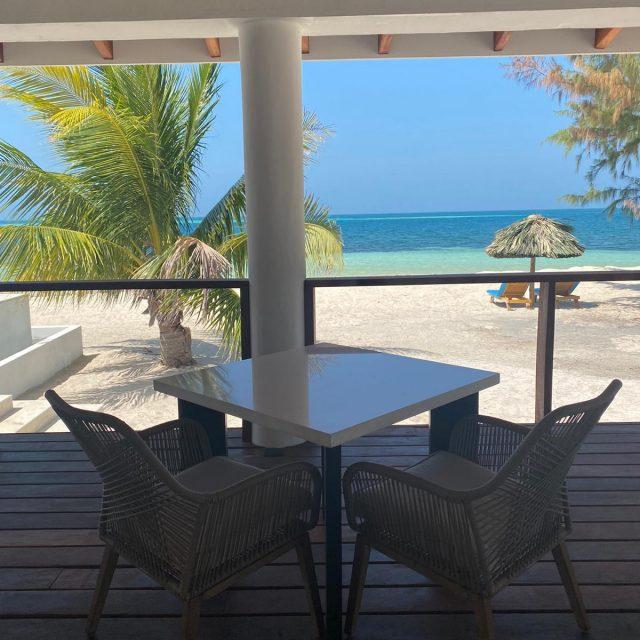 Manta Island - Dine by the Sea