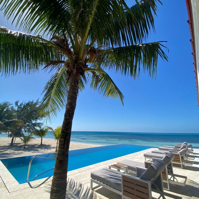 Manta Island Resort - Pool