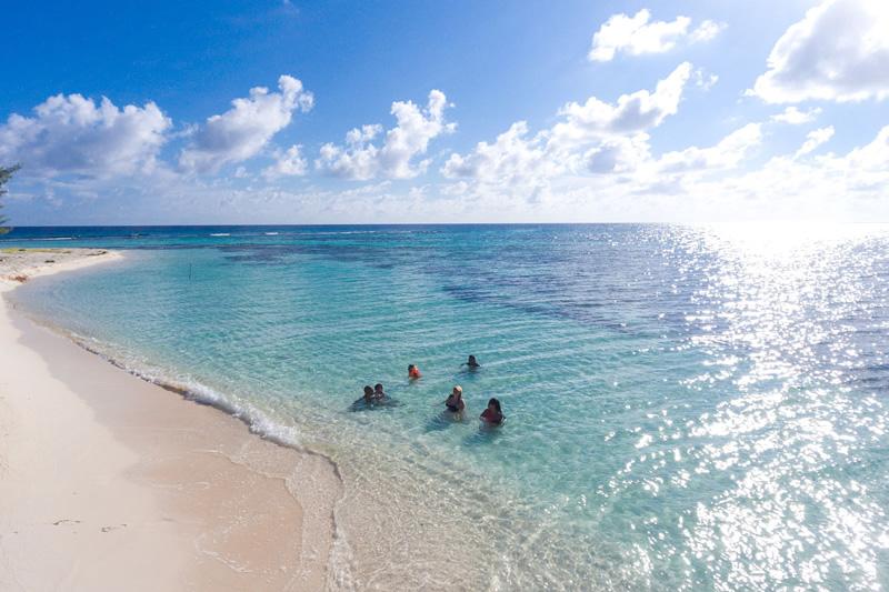 rent a private island in belize