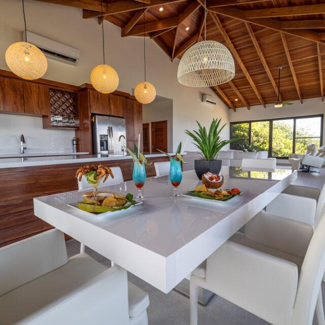 Belize Reef Villa -Belize Luxury Villa - Kitchen
