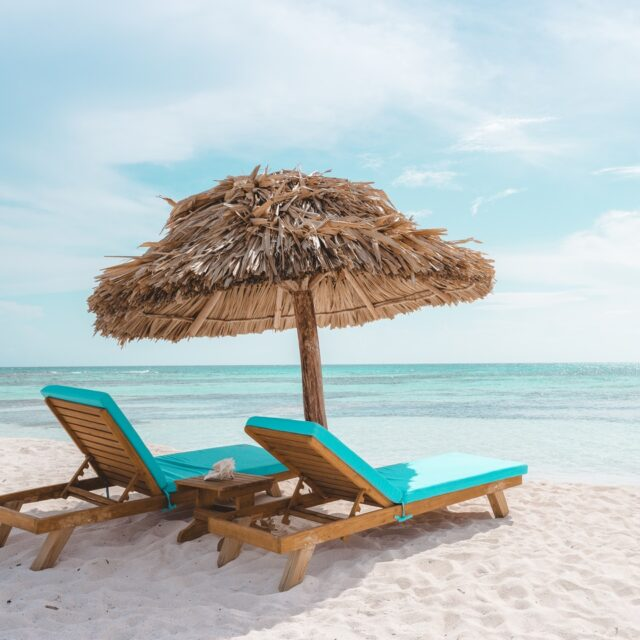 Relax on the beach at Manta, Belize