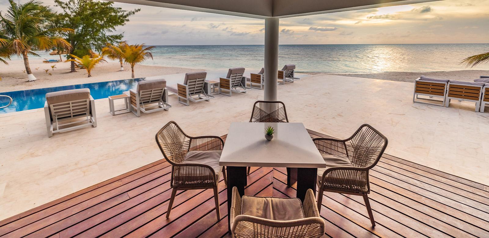 manta belize island dining