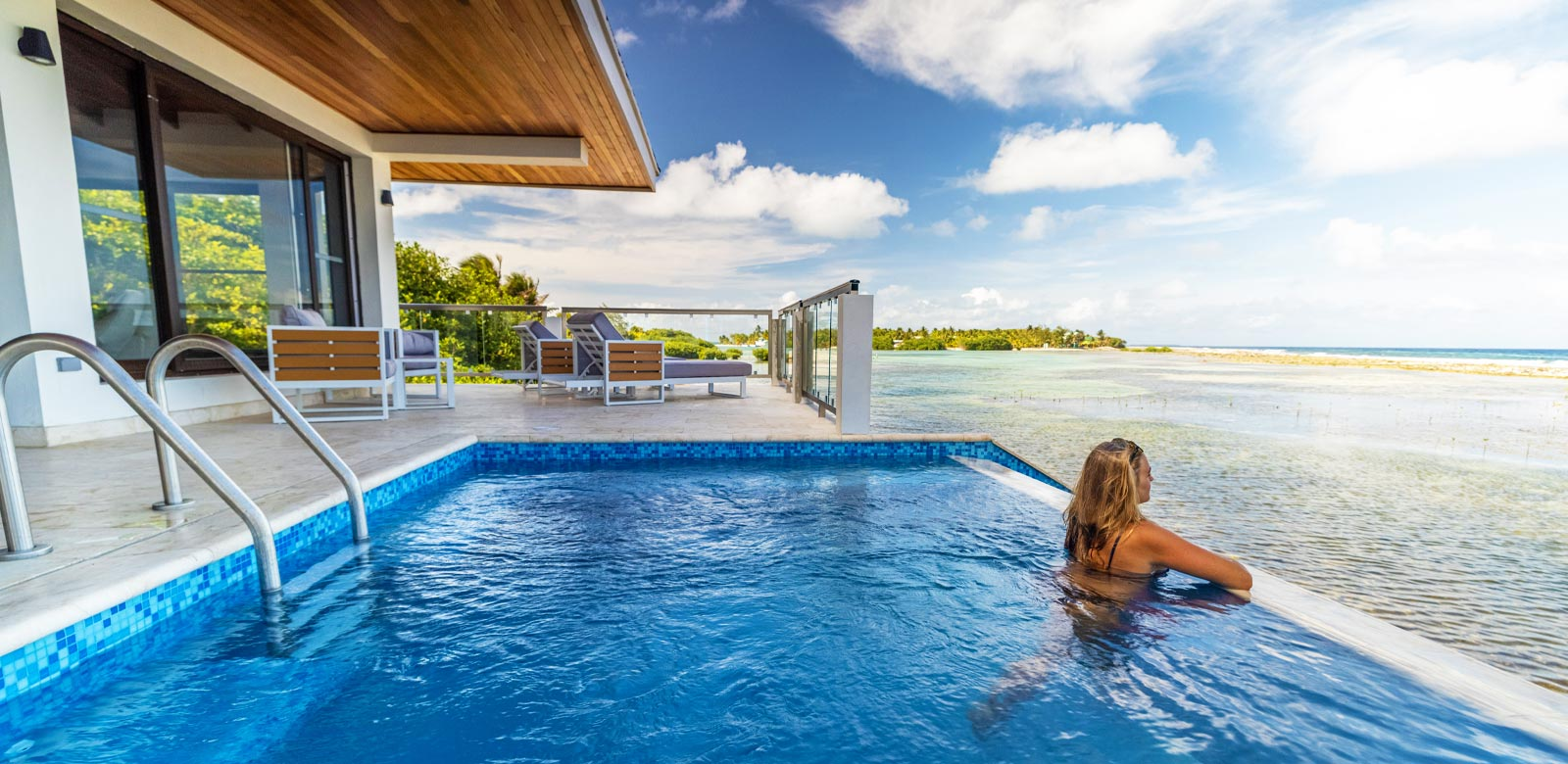 Overwater bungalows in Belize